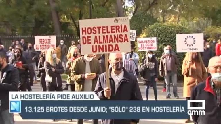 """La hostelería protesta en Toledo y Albacete: """"Sin ayudas, nos arruinan"""", y otras noticias del día"""