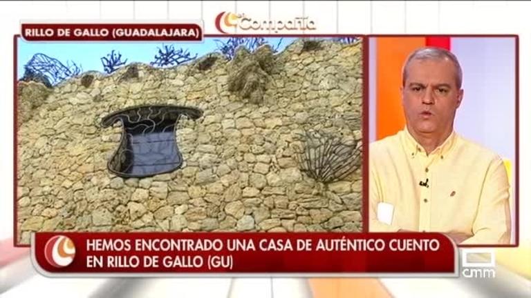 Agustín visita una casa de cuento en Rillo de Gallo