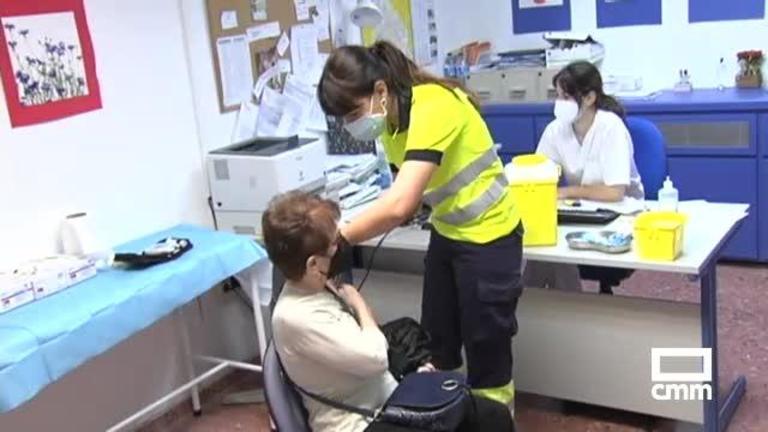 Castilla-La Mancha acelera el proceso de vacunación a mayores de 80 años en Semana Santa
